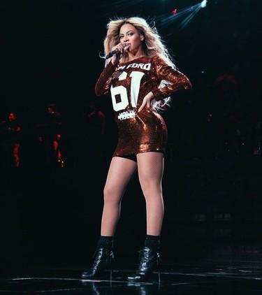 Beyoncé te cobrará un quintal por ir a sus conciertos... ¡pero a cambio te enseña el trasero!