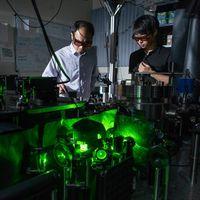Estos científicos hicieron rotar un objeto a 300 mil millones de revoluciones por minuto para entender cómo funciona el vacío
