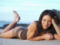 A Evangeline Lilly se le hace el culete gaseosa con su peque