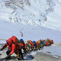 Durante el confinamiento abandonamos el alpinismo masivo. Es el momento de intentar evitar que regrese
