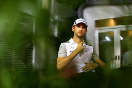 Jenson Button vuelve a asomar la posibilidad de retirarse