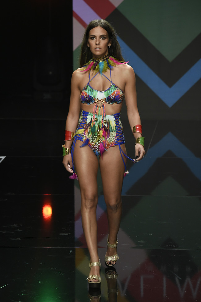 Cristina Pedroche desfila en la pasarela Gran Canaria Moda Cálida y las redes sociales se ensañan con ella