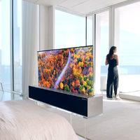 LG lanza el primer televisor enrollable que desaparece cuando no lo quieres a la vista. El sueño de decoradores y minimalistas