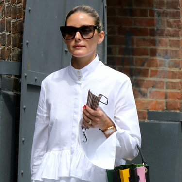 Camisa blanca y vaqueros pitillo: emulamos el combo del éxito de carácter atemporal que luce Olivia Palermo