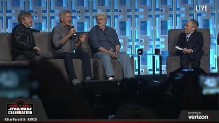 Mark Hamill, Harrison Ford y George Lucas con Warwick Davis