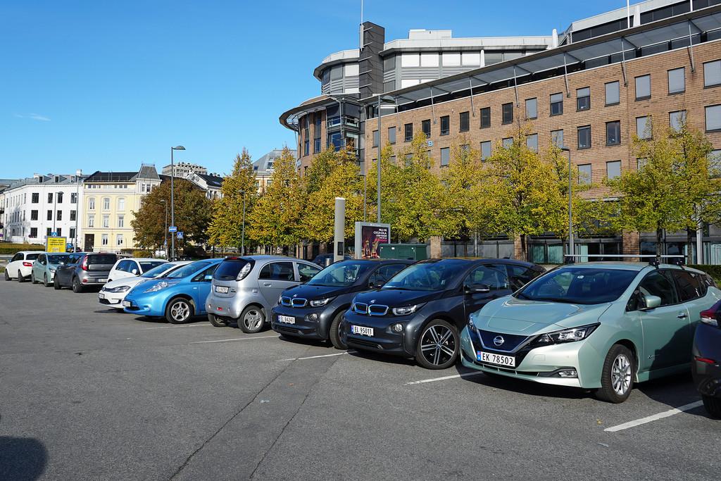 ¿Por qué la cuota del coche eléctrico en Noruega es del 31% y en España es del 0,46%?