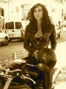Gabriele Muccino dirige a Monica Bellucci para Intimissimi