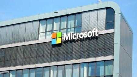 Microsoft se compromete a donar mil millones de dólares en recursos de cloud computing