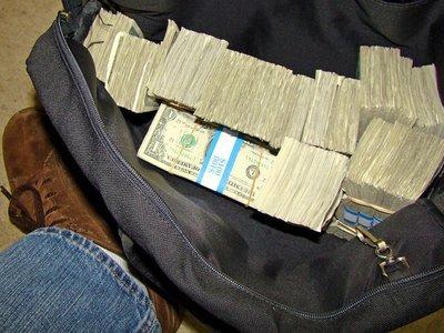 ¿Qué es una orden de movimientos de fondos o transferencia OMF?