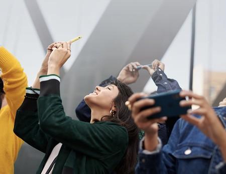 Las activaciones de iPhone establecen nuevos récords por Navidad, asegura Tim Cook en una carta interna