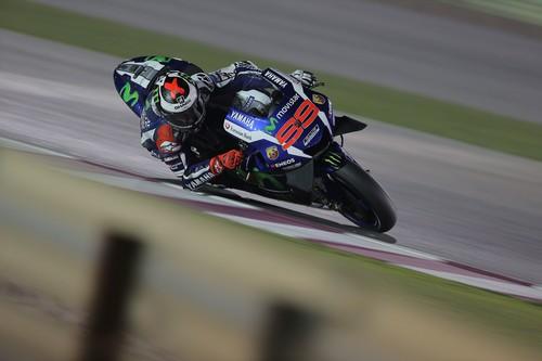 Jorge Lorenzo, sobresaliente en los primeros libres, Honda con mucha tarea pendiente