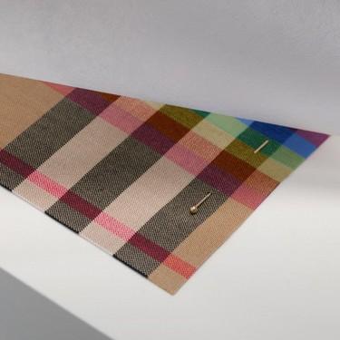 Burberry lanzará una versión arco iris de su icónico cuadro para luchar contra la discriminación de la comunidad LGTBQ