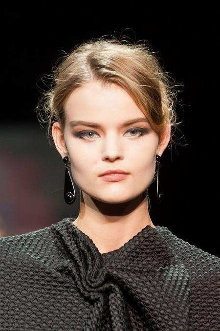 070914giorgio-armani-prive-beauty-haute-couture-fall-2014