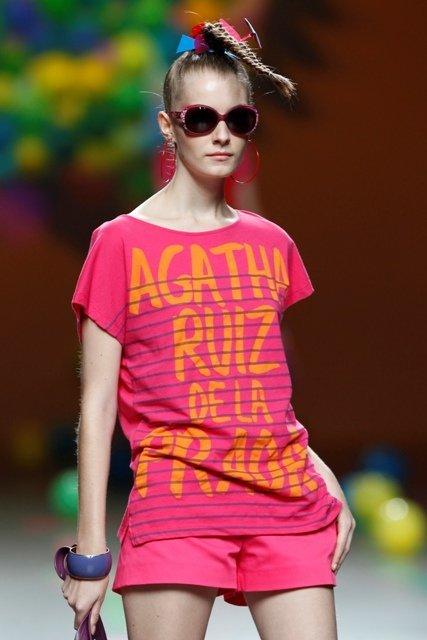 Agatha Ruiz de la Prada Primavera-Verano 2012: el color block ataca de nuevo