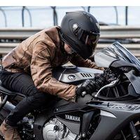 Este casco de moto inteligente promete guiarnos hasta un destino integrando GPS, cámara y dos altavoces desde 944 euros