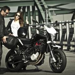 Foto 6 de 111 de la galería husqvarna-nuda-900-y-900r-datos-y-fotos-oficiales en Motorpasion Moto