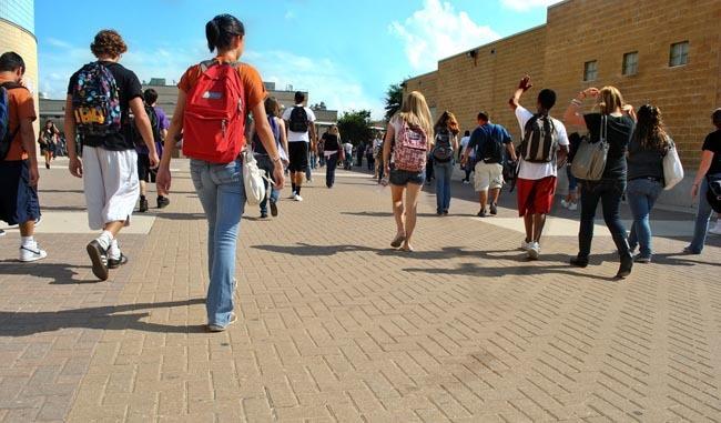 Saliendo del instituto