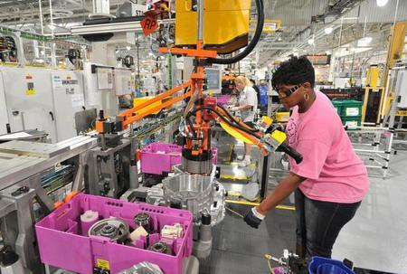 Ford ya fabrica transmisiones híbridas en EE.UU.