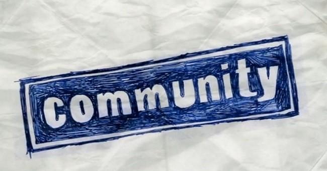 Imagen con el logo de 'Community'