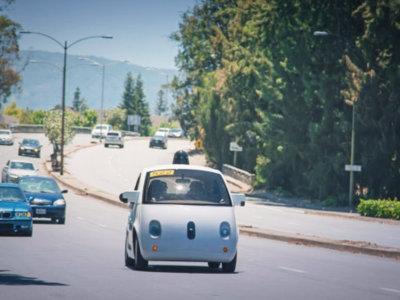 Cuando exista el coche autónomo, ¿deberíamos permitir que la gente conduzca?