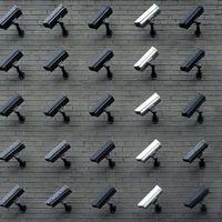 Una empresa contratada por el Gobierno de EE.UU rastrea la ubicación de millones de usuarios en más de 500 apps, según WSJ
