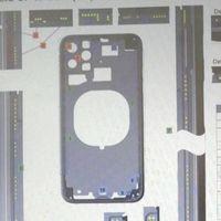 Un supuesto esquema del futuro iPhone 11 muestra tres cámaras traseras con una extraña disposición