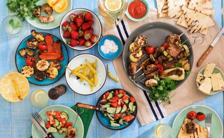 Sopas frías, ensaladas, platos picantes y más: estas son las 101 mejores recetas con que combatir la ola de calor