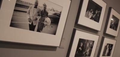 Winogrand, o cómo la fotografía callejera se hace arte en su exposición de Madrid