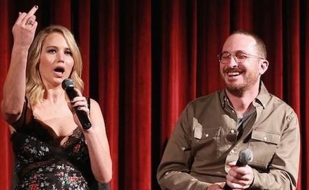 Leer críticas puede ser una idea terrible: Jennifer Lawrence y Adam Sandler cuentan sus experiencias