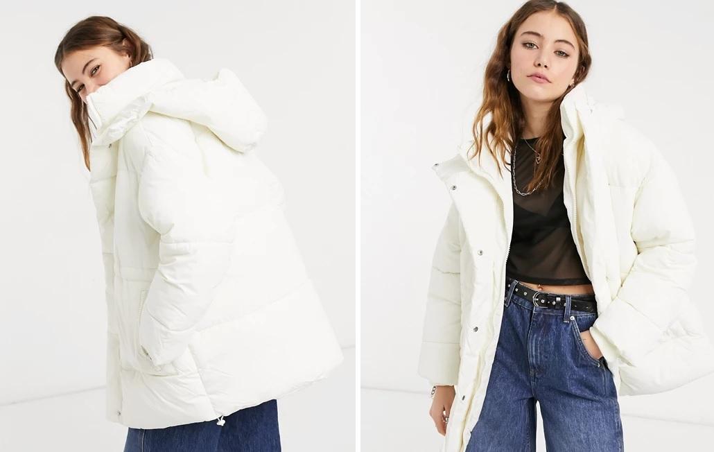 Abrigo corto puffy con capucha de Monki