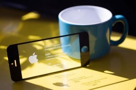 ¿Quieres impresionar a la gente? Pues hazte una tarjeta de visita con una pantalla de un iPhone