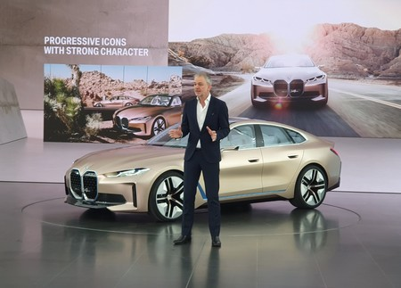 Bmw I4 Unveil Salon Ginebra