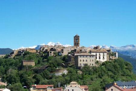 Aínsa: una villa medieval en el Pirineo