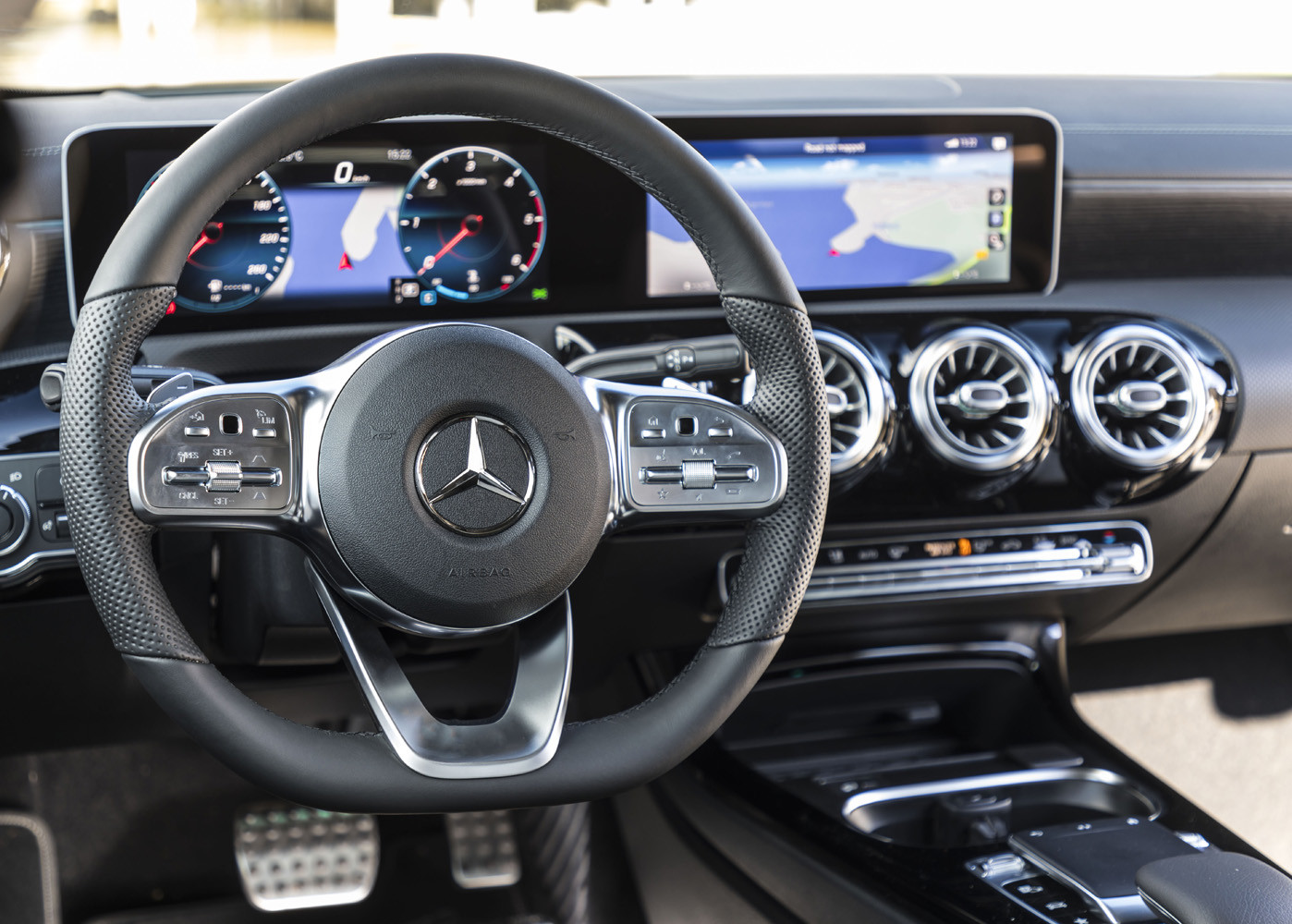 Foto de Mercedes-Benz CLA Coupé 2019, toma de contacto (127/248)