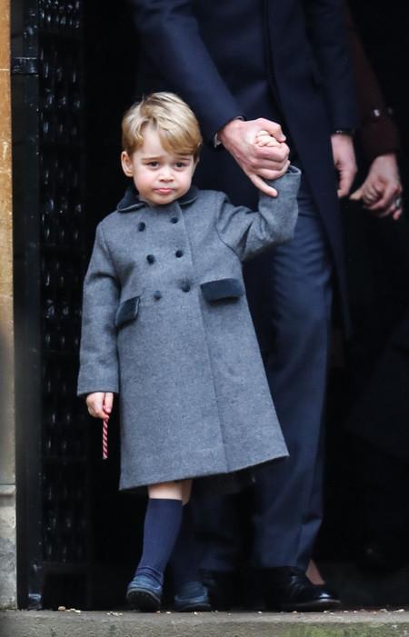 El príncipe George viste un abrigo con sello español y cuelga el cartel de 'agotado' en cuestión de minutos