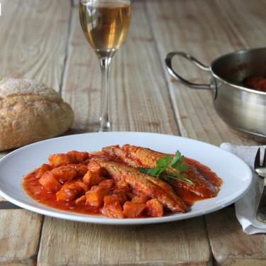 Receta de caballa con salsa de tomate, la receta económica para triunfar en casa