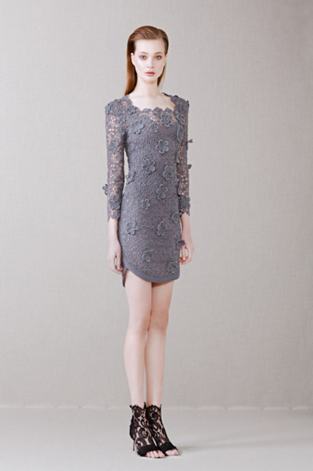Vestido gris de Alfredo Villalba
