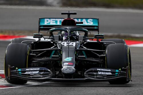 Lewis Hamilton aprovecha otro regalo de Valtteri Bottas para igualar el récord de victorias de Michael Schumacher