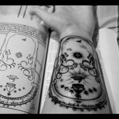 Foto 14 de 15 de la galería tatuajes-de-tolkien en Papel en Blanco