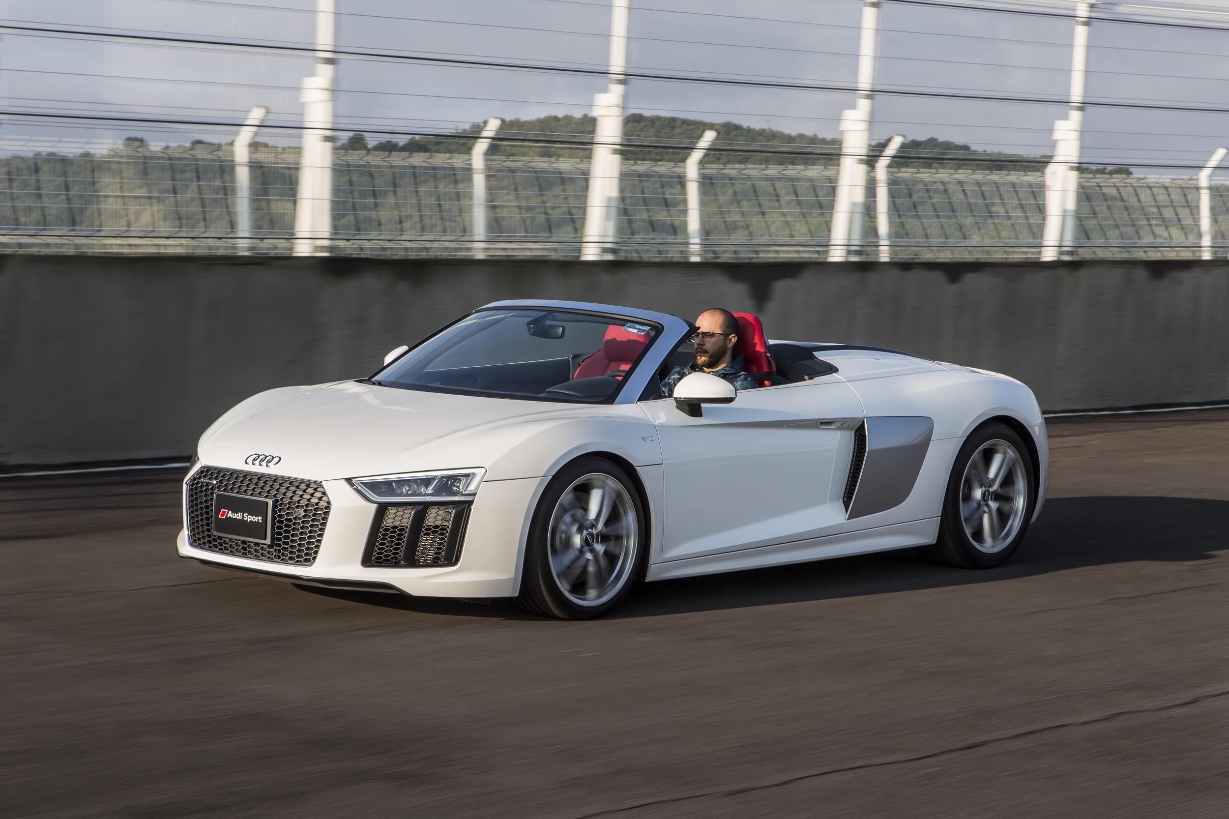 Foto de Audi R8 Spyder (15/38)