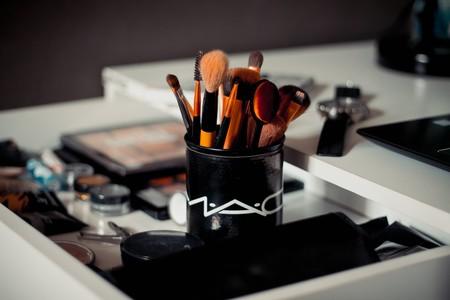 Como Limpiar Brochas Maquillaje 2