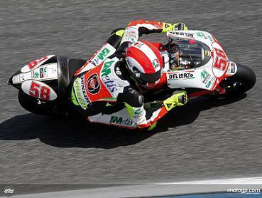 Simoncelli marca el ritmo en 250cc