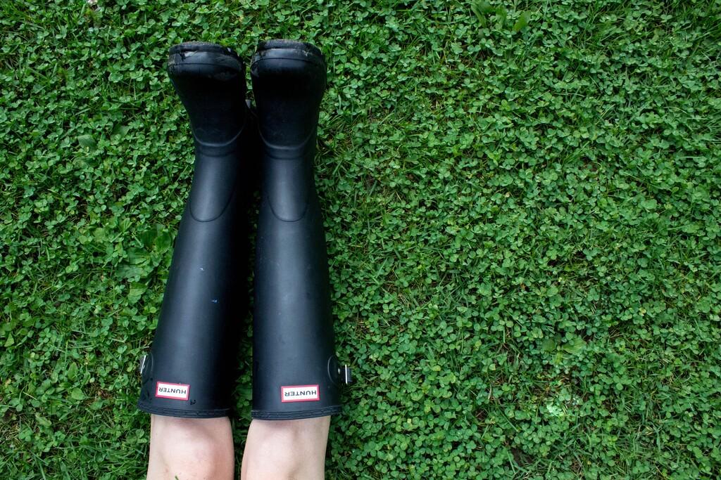 La compra más práctica con la que está cayendo son estas botas de agua Hunter rebajadas en Amazonz
