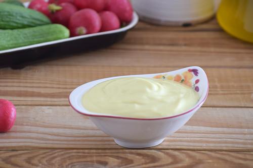 Cómo hacer lactonesa o mayonesa sin huevo: receta muy fácil ideal para evitar riesgos (también con opción sin lactosa)