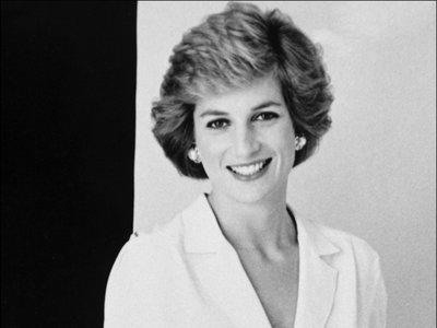 Diana de Gales: uno icono de belleza. 22 looks para inspirarnos hoy