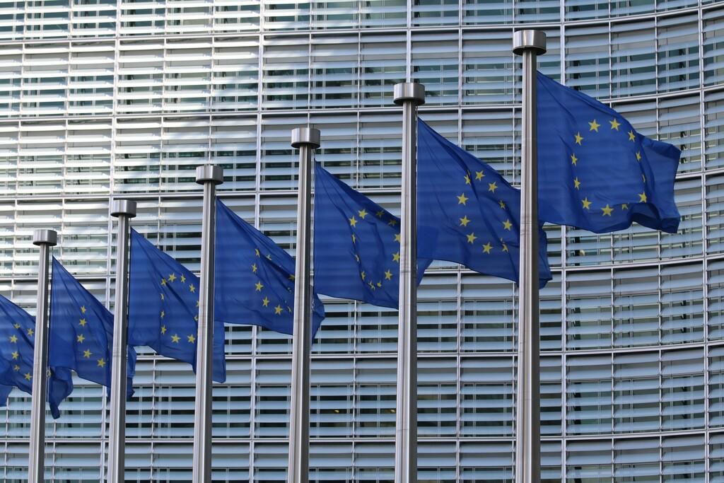 La UE también planea que el cifrado haga lo imposible y tenga una puerta trasera para las autoridades
