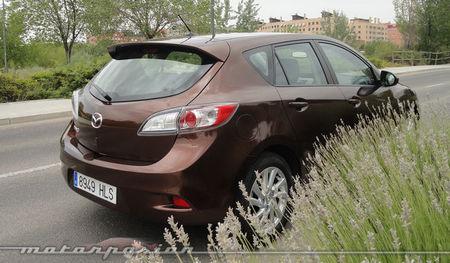 Mazda3 1.6 CRTD 115 cv paragolpes del mismo color que la carrocería