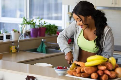 Cómo adelgazar sin dieta: 13 cambios en tu estilo de vida con los que verás resultados