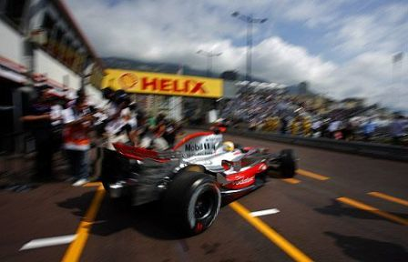 Aparece la lluvia en Mónaco con los dos McLaren al frente