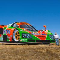 Este enorme Mazda 787B de madera decora ya las colinas del Mazda Raceway Laguna Seca